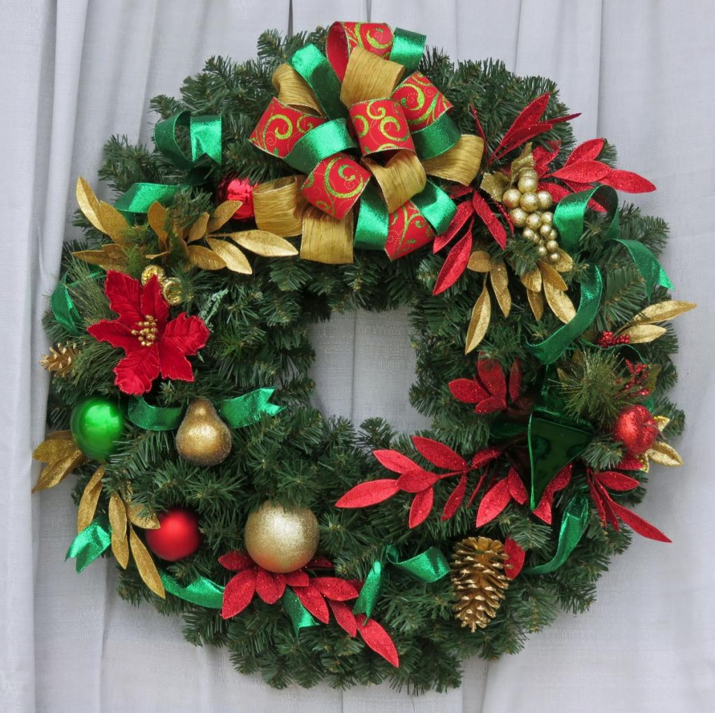 Yuletide Tradition Holiday Wreath